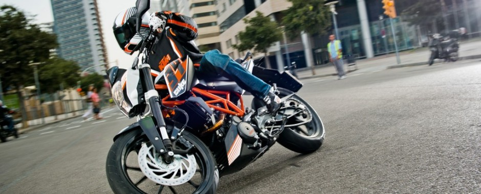KTM全車種取扱い-千葉県千葉市のKTM正規取扱店・バイクショップ「オレンジカウンティ幕張」